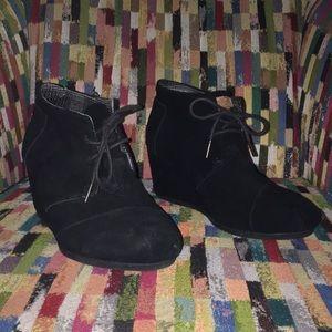 Toms Black Suede Booties -Size 11 - EX CON